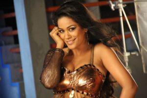 Read more about the article Hot and Spicy Mumaith Khan Latest Images from An Item Song