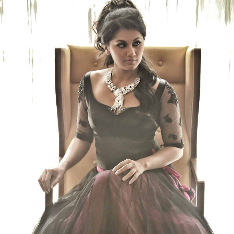 Tapsee Pannu Stunning Photoshoot in Black Dress With Stylish Jewellery_VP (5)