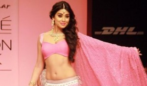 The Sexiest Bollywood Celeb On The Catwalk!