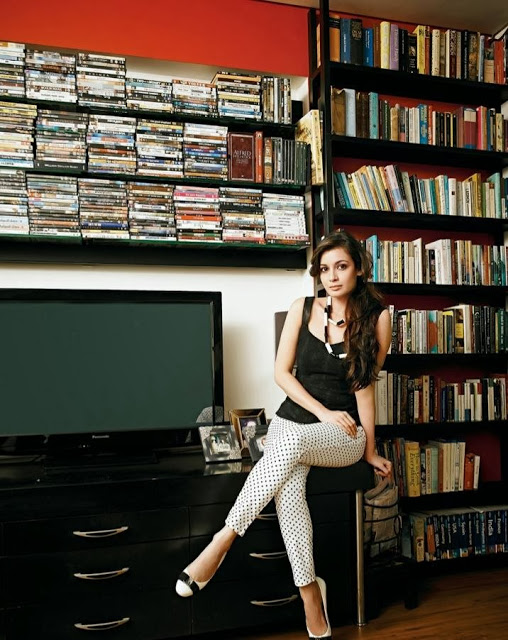 Dia Mirza in her library, Dia Mirza hot legs, Dia Mirza sexy thighs