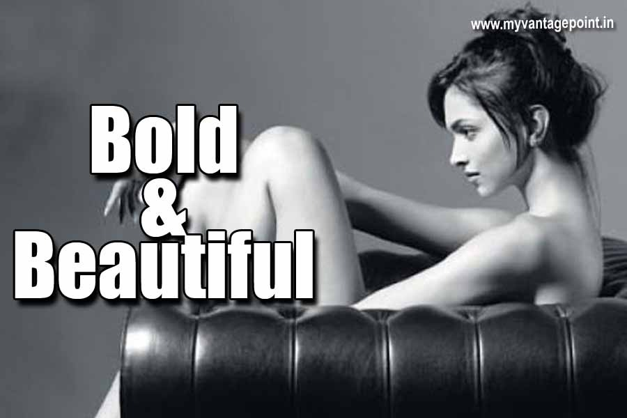 Bollywood Bold Actress who went to T@PLE$$ !!