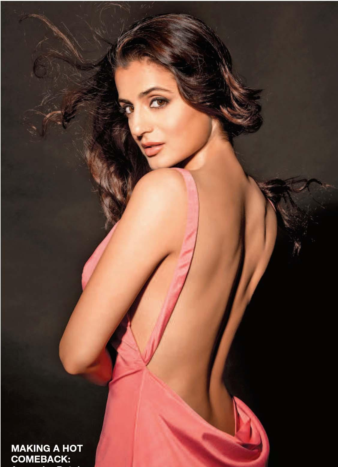 Amisha-patel Backless photos, ameesha patel in backless gown, Amisha-patel hottest photos