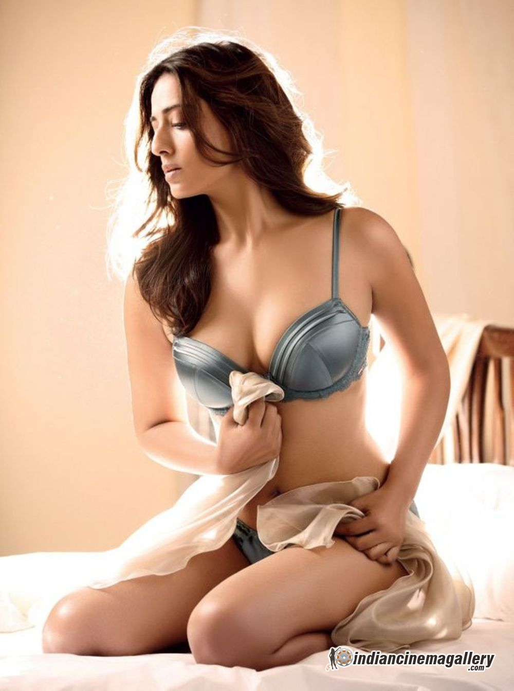 Hottest Avatar of Mahie Gill - VP (6)