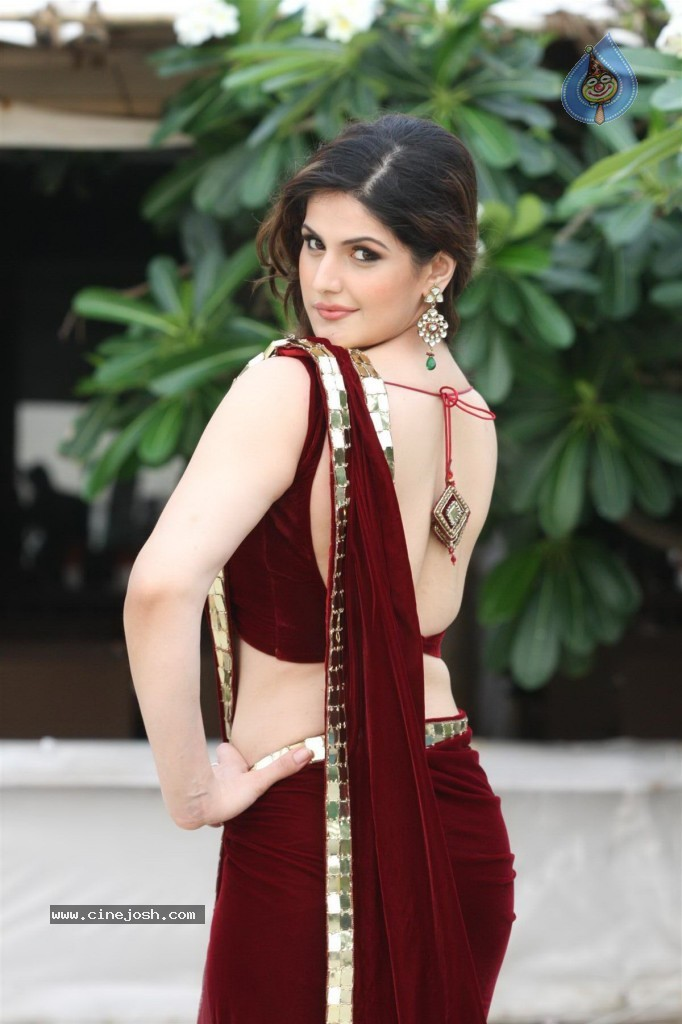 Zarine Khan Backless photos, Zarine Khan in red saree, Zarine Khan hot back saree, Zarine Khan sexy back photos, Zarine Khan backshow