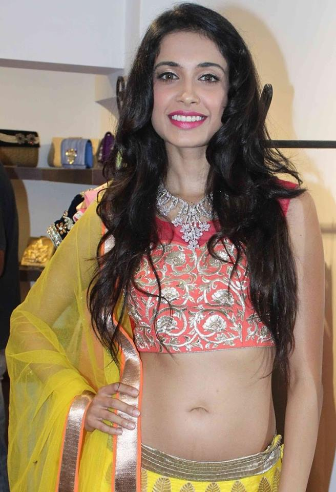 Sarah Jane Dias Navel pics, Sarah Jane Dias Hot Navel Show, Sarah Jane Dias navel, Sarah Jane Dias sexy navel photos, Sarah Jane Dias sexy photos, Sarah Jane Dias masala photos