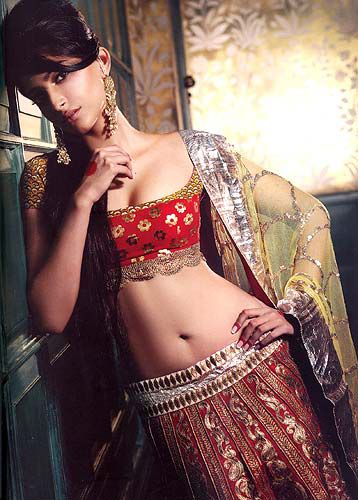 Sonam Kapoor Navel pics, Sonam Kapoor Hot Navel Show, Sonam Kapoor navel, Sonam Kapoor sexy navel photos, Sonam Kapoor sexy photos, Sonam Kapoor masala photos