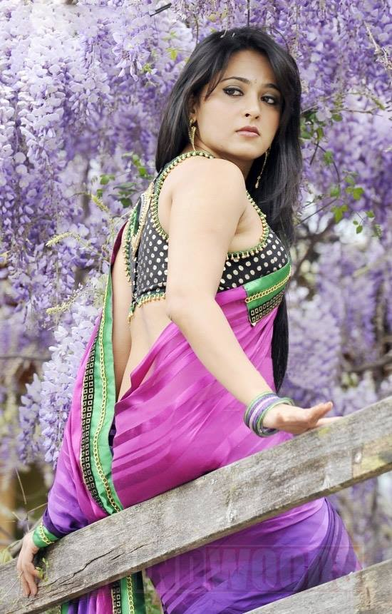 Anushka Shetty Hot Spicy Sexy Backshow in Saree  & Mini Tight Dresses..DAMN HOT - VP (52)