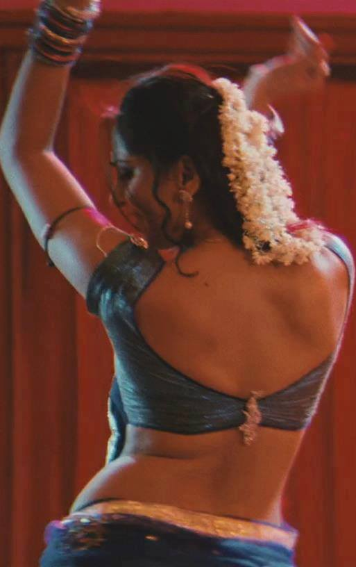 Anushka Shetty Hot Spicy Sexy Backshow in Saree  & Mini Tight Dresses..DAMN HOT - VP (53)