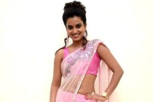 Read more about the article Dimple Chopade's Sexy Seductive Spicy Navel Show in Transparent Pink Saree