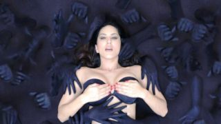 Sunny Leone Smoking Hot Stills From Movie Ragini MMS 2 (2014)