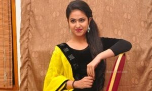 Read more about the article Avika Gor Famous for Balika Vadhu Looking Very Cute in Suite for Uyyala Jampala Movie Audio Launch