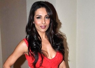 Malaika Arora Khan looking Sultry & Spicy in Red dress