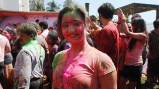 Holi Celebration by Bollywood Celebrities – Hot & Wet