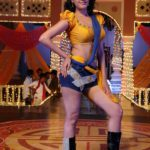 Anita Hassanandani Spicy Navel Pics from Item Song_VP (10)