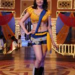 Anita Hassanandani Spicy Navel Pics from Item Song_VP (12)