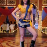 Anita Hassanandani Spicy Navel Pics from Item Song_VP (8)