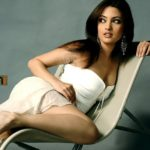 Riya Sen Backshow - HOTTEST Collection of Bengali Beauty's Sexy Back Side View (49)