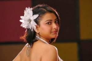 Read more about the article Shweta Basu Prasad Superhot & Sizzling Stills in Sexy White Short Pants