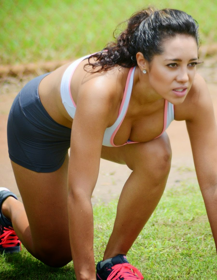 Andrea Calle - Working Out at a Park in Miami - Super Hot Pics_VP (1)