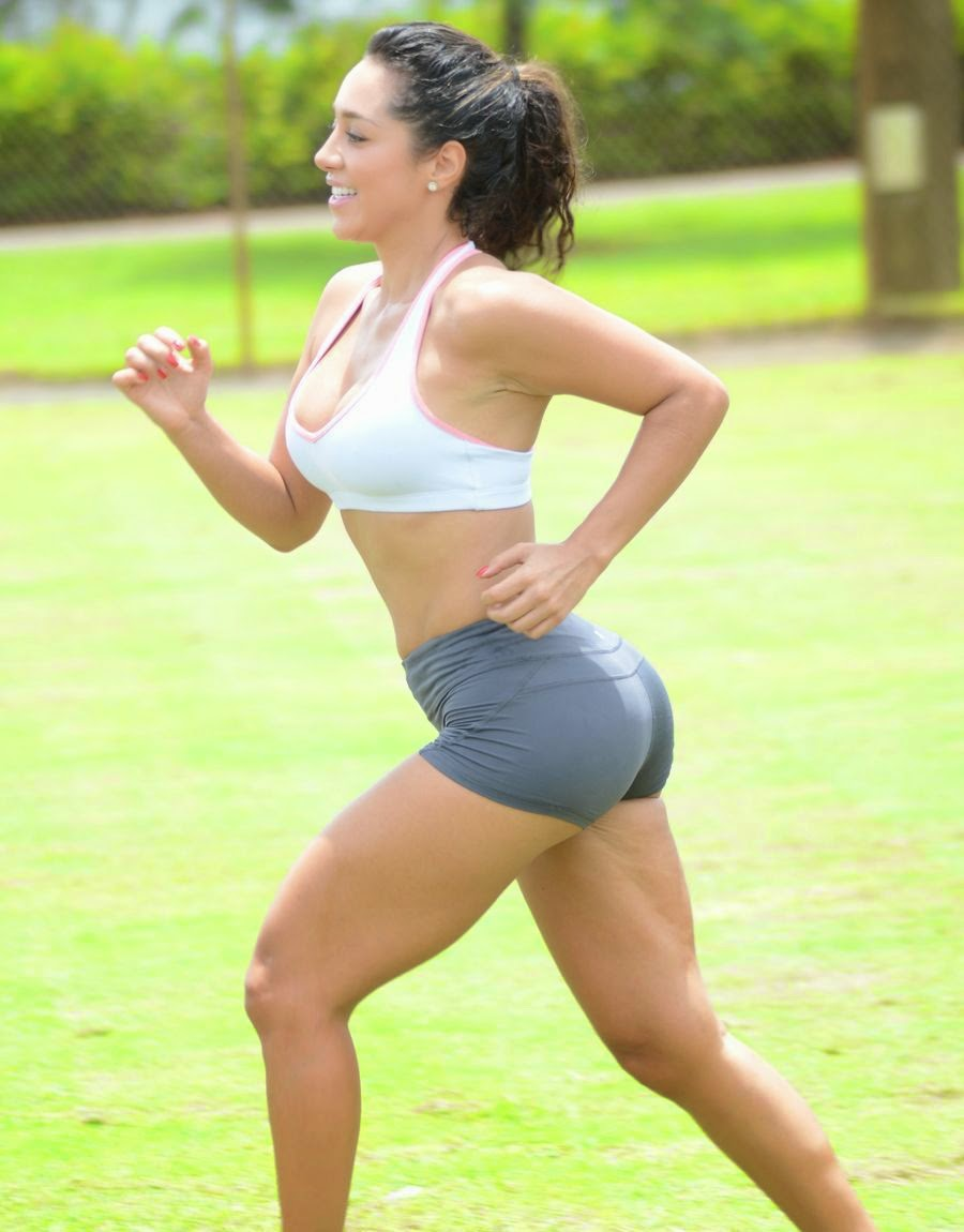 Andrea Calle - Working Out at a Park in Miami - Super Hot Pics_VP (3)