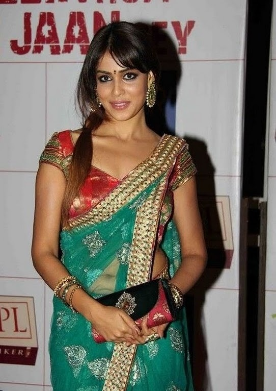 Genelia D'souza in Sexy Red Blouse & Blue Saree at an Event_VP_3