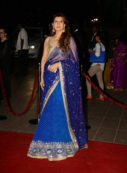 Sangeeta Bijlani in Blue Saree & Golden Blouse at Salman Khan's Sister Marriage, Sangeeta Bijlani hot images, Sangeeta Bijlani sexy images, Sangeeta Bijlani in saree