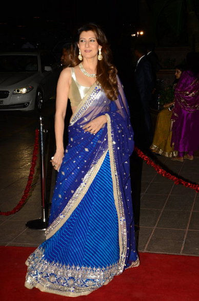 Sangeeta Bijlani in golden blouse, Sangeeta Bijlani in saree, Sangeeta Bijlani hot images