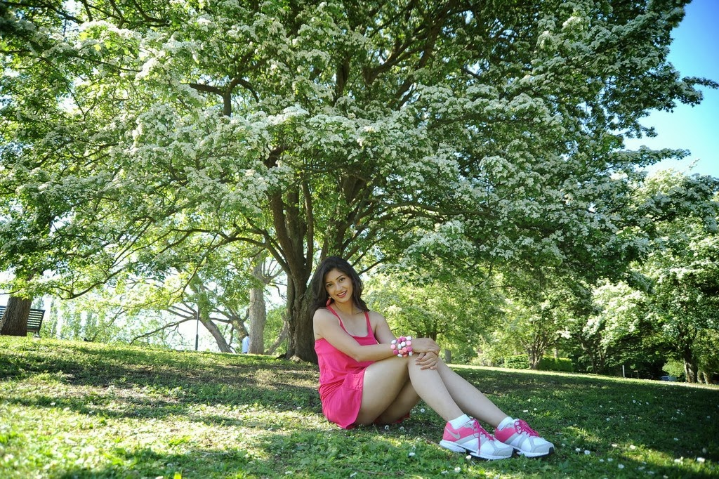 Tanvi Vyas Showing Her Sexy Legs in A Short Pink Mini Dress in Garden_VP (2)