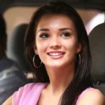 Amy Jackson Cute Smile Stills from Movie Ai or I (2015)_VP