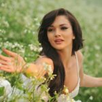 Amy Jackson in Flowers in Movie Ai or I (2015)_VP