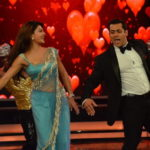 Jacqueline Fernandez at Bigg Boss 8 Set To Promote ROY Movie in Sexy Blue Saree Dancing on Hangover song of Kick with Salman Khan