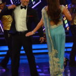 Jacqueline Fernandez at Bigg Boss 8 Set To Promote ROY Movie in Sexy Blue Saree Dancing on Kick Song with Salman Khan