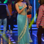 Jacqueline Fernandez at Bigg Boss 8 Set To Promote ROY Movie in Sexy Blue Saree in Funny mood