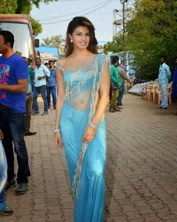 Jacqueline Fernandez at Bigg Boss 8 Set To Promote ROY Movie in Sexy Blue Saree_VP2