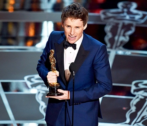 Eddie Redmayne Won Best Actor Awards at Oscars 2015 for The Theory of Everything