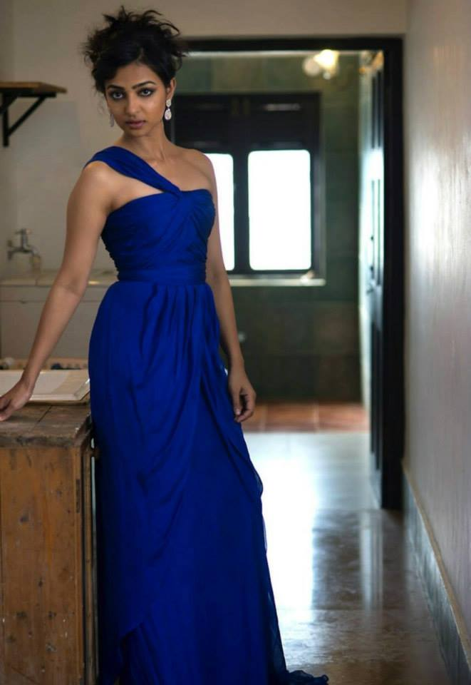 Radhika Apte Looking super gorgeous in Blue Gown_VP (4)