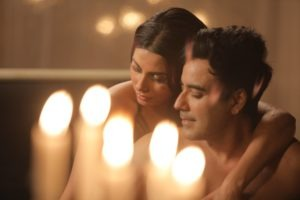 Read more about the article Karan Oberoi Recreates The Old Classic 'Chaudavin ka Chand' With A Romancesual, Erotic Approach