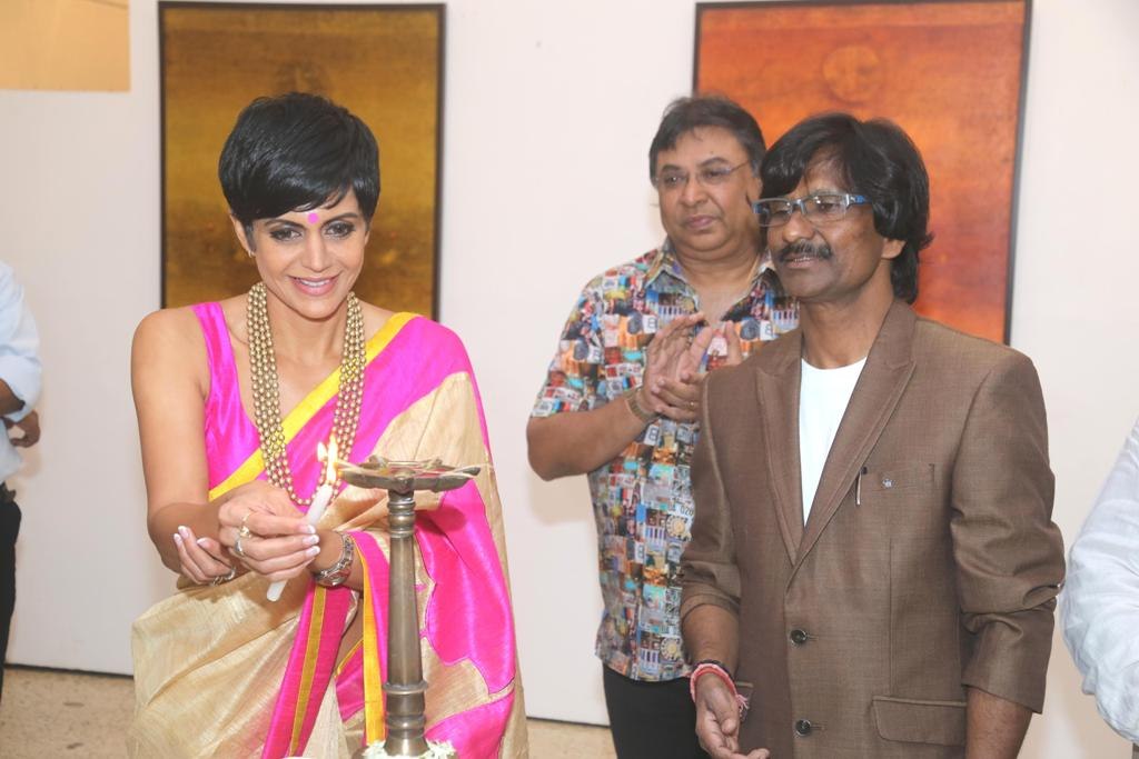 "Mandira Bedi inaugurated artist Ramesh Thorat's ""Cosmic Visionary"" Art Exhibition Renowned artist Ramesh Thorat is showing his recent work ""Cosmic Visionary "" in Jehangir Art Gallery, Kala Ghoda, Mumbai. This show has been inaugurated by Actress Mandira Bedi. The show was very well received and attended by dignitaries, noted artists and art enthusiasts like Prashant Shah, K.G. Menon, Vipta Kapadia, Ravi Mandlik, Shailesh Sheth, Vibhu Kapoor, Vinod Sharma, Mr. Shetty, Abhijit Gondkar, Prakash Bhise, Deepak Shinde, Vijay Shinde, Rishiraj Shetty, Rajendra Patil(Para) and other noted personalities attended the event."
