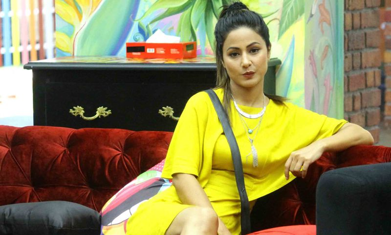 Hina Khan in Bigg Boss Season 11, Hina Khan in Sexy Yellow Dress, Hina Khan hot