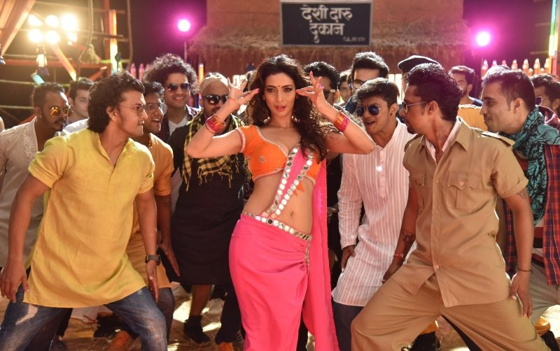 Heena Panchal Item Song Takmak Takmak, Heena Panchal Marathi Movie, Heena Panchal Item Song