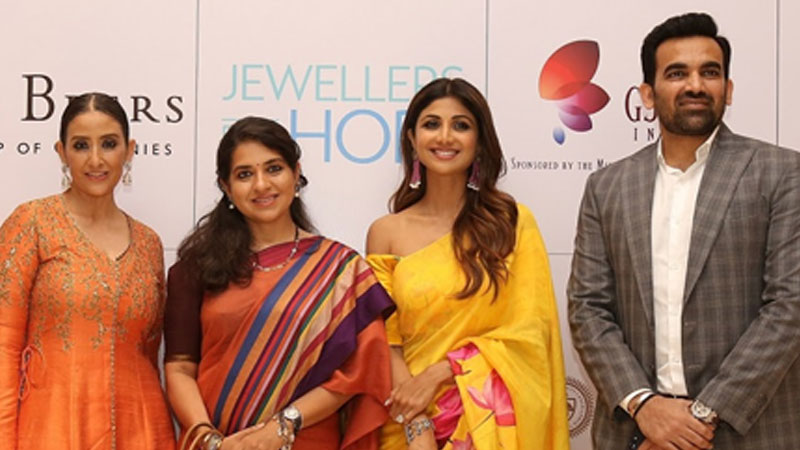 """Shilpa Shetty & Manisha Koirala@ Jewellers come together to raise Rs 1 crore to help the underprivileged at the """"Jewellers for Hope"""" event organised by GJEPC"""