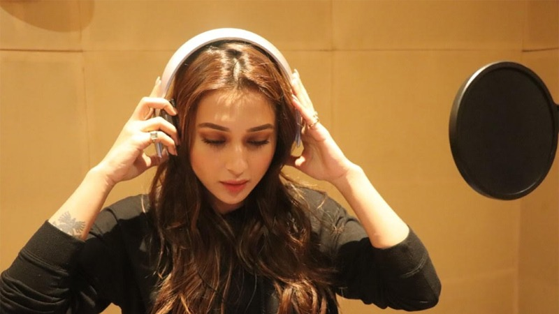 Mimi debuts as singer with her film 'Mon Jaane Na'