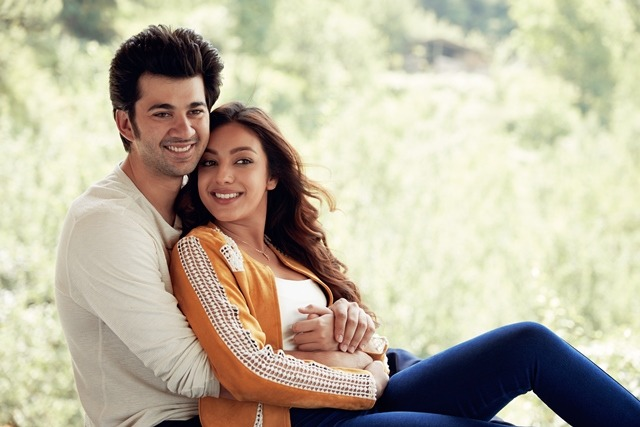 Karan Deol & Sahher Bambba's debut film takes you on the journey of first love!