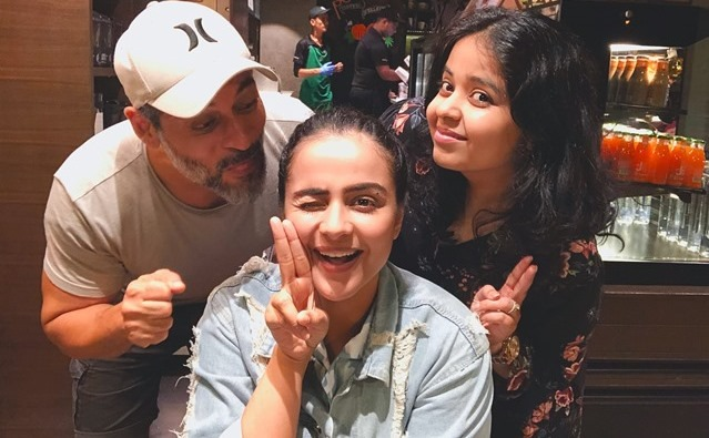Prachi Tehlan spends a fun time with Mamangam team, gets into trouble